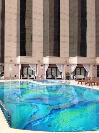 Fairmont Dubai : piscina