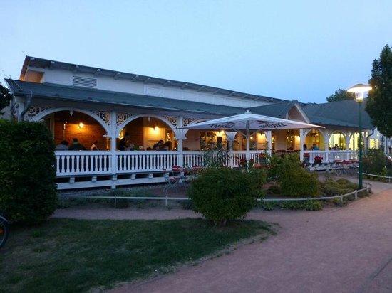 Rasender Roland: The restaurant on an evening