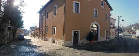 Poggio Picenze, Italia: Veduta esterna