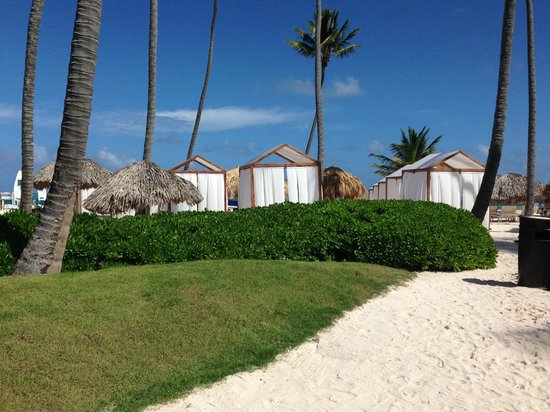 Secrets Royal Beach Punta Cana: Preferred Club beach area