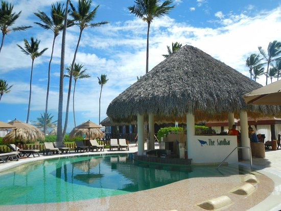 Secrets Royal Beach Punta Cana Preferred Club Pool Bar