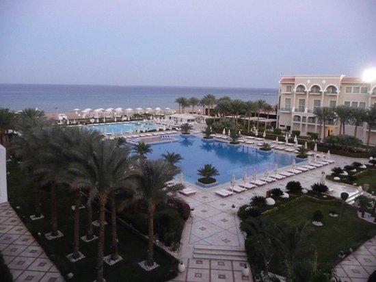 Premier Le Reve Hotel & Spa (Adults Only): les piscines
