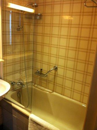 Hotel du College de France : good water pressure