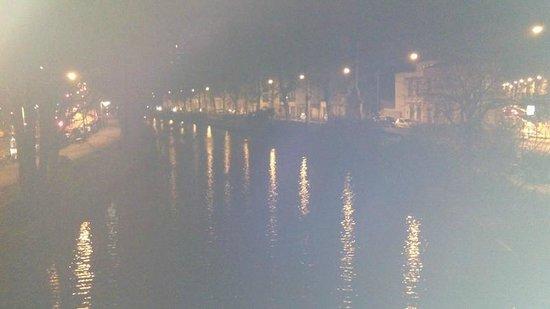 Ibis Budget Toulouse Centre: Canal du midi de nuit l'hiver