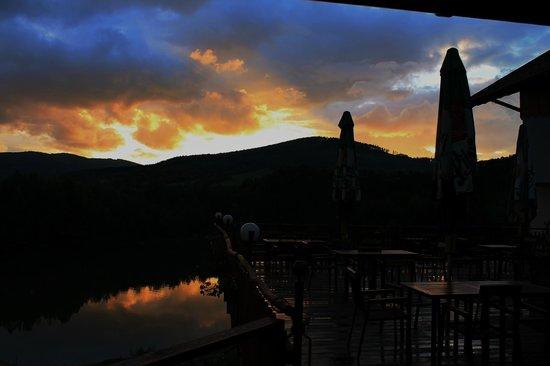 Rezidence U Jezera: Sunset