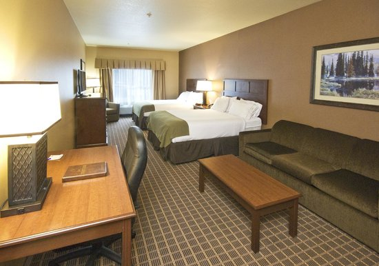 Holiday Inn Express & Suites - The Hunt Lodge: Double Queen Suite