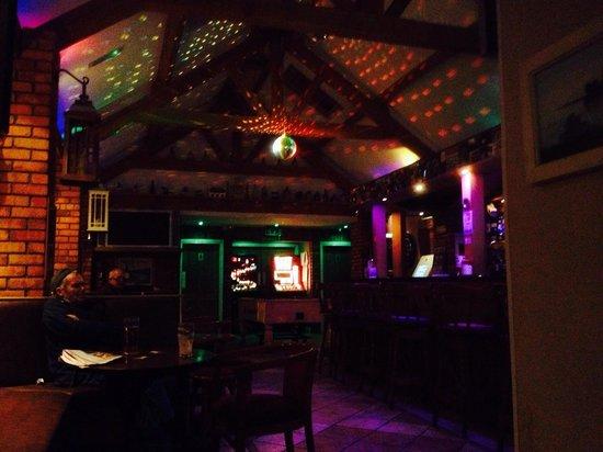 Saddle or sail bar:: Party lights