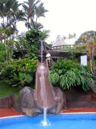 Los Lagos Hotel Spa & Resort: One of the many water slides