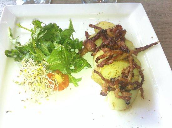 Code Ambiance: Entrée salade pomme de terre a l'Alsacienne.