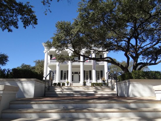 Texas Governor's Mansion: Exterior of the mansion