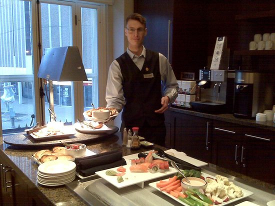 Delta Hotels by Marriott Bessborough: Hayden in the Signature Club Lounge. Time to nibble!