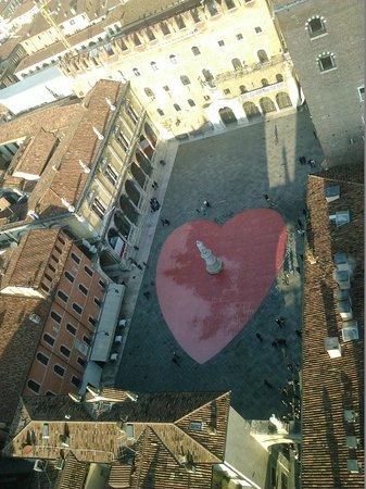 Torre dei Lamberti: Piazza Dante a San Valentino