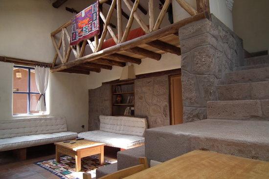Melissa Wasi: Bungalow - living room