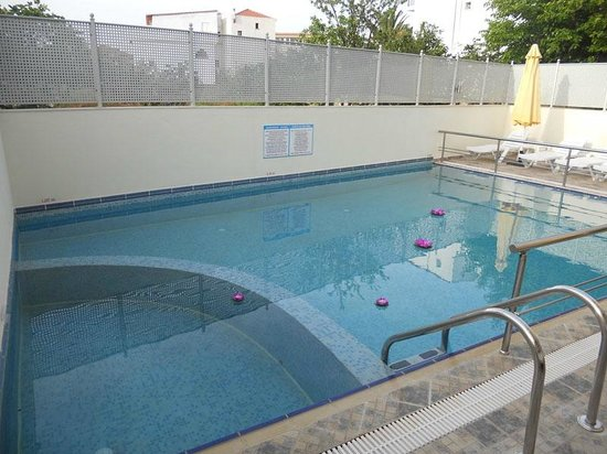 Anthena Studios: Χώρος πισίνας