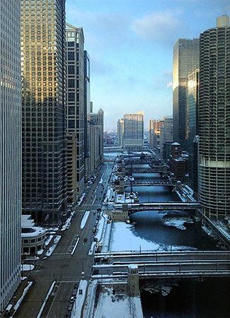 Wyndham Grand Chicago Riverfront : Looking west from the 31st floor