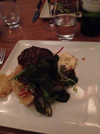 Erics: Fillet steak with onion petals