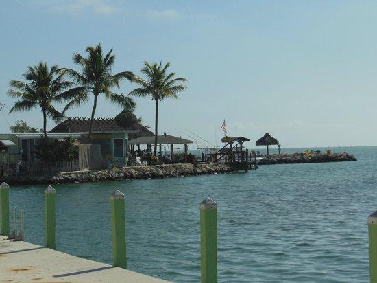 Drop Anchor Resort : Beach View