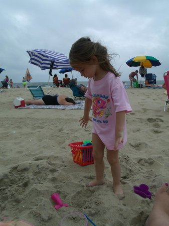 Castle in the Sand Hotel: our youngest princess on the beach
