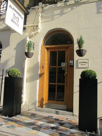 Alhambra Hotel : FRONT ENTRANCE