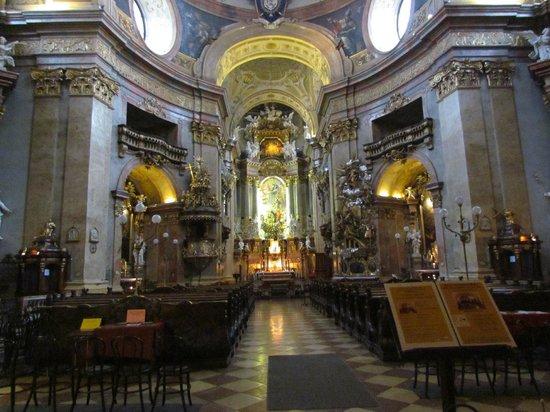 Iglesia de San Pedro (Peterskirche): внутри собора