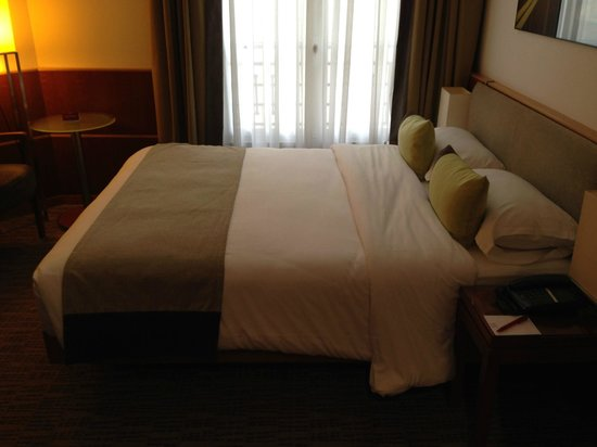 K+K Hotel Cayre: Double bed (Room 419)