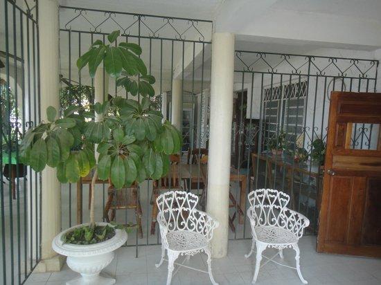 Hotel Maya: Restaurant.