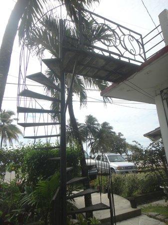 Hotel Maya: Stairs.