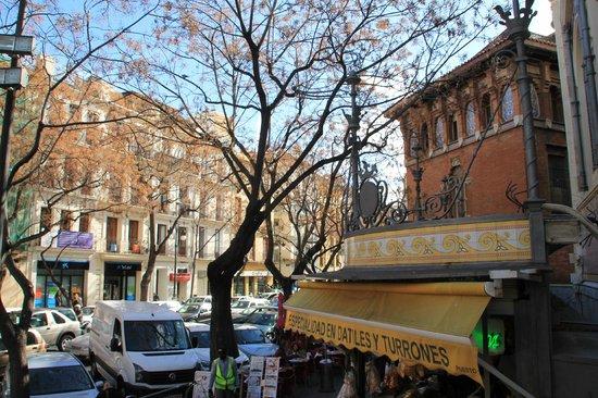 Plaza del Mercado (Plaça del Mercat): Desde la entrada principal