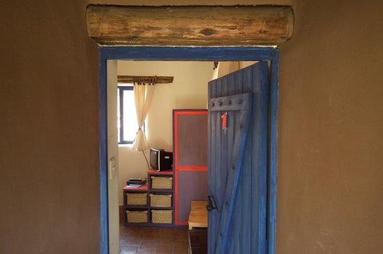 Melissa Wasi: Room entrance
