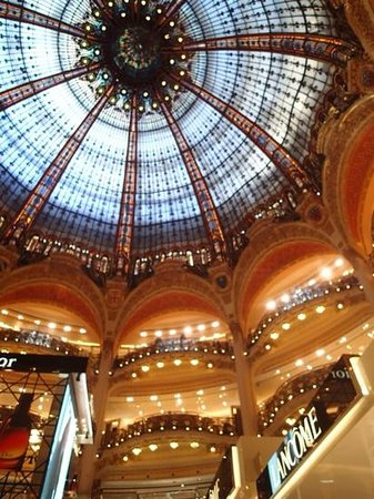 Galeries Lafayette: gorgeous dome ceiling