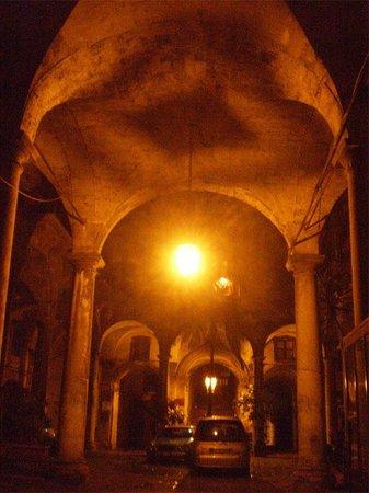 Hotel Orientale ночью