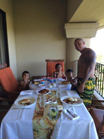 Four Seasons Resort Maui at Wailea: Breakfast on the Lanai