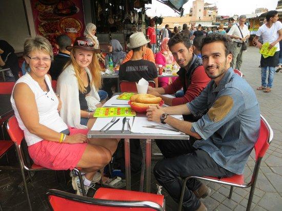 Marrakech Weekend - Day Tours : Heerlijk gegeten met Mustapha, Said en mijn moeder