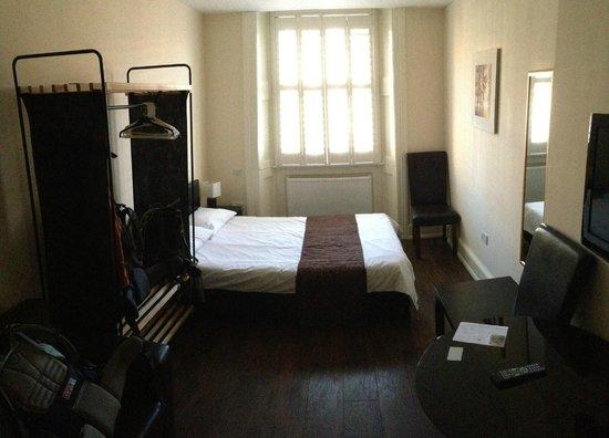 Marylebone Inn Hotel: Bed