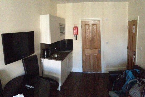 Marylebone Inn Hotel: Kitchen