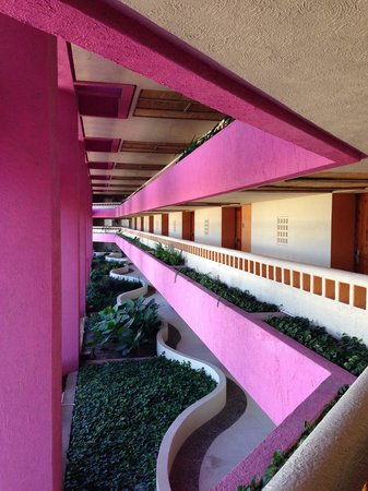 The Westin Resort & Spa Puerto Vallarta: Hallway leading to rooms