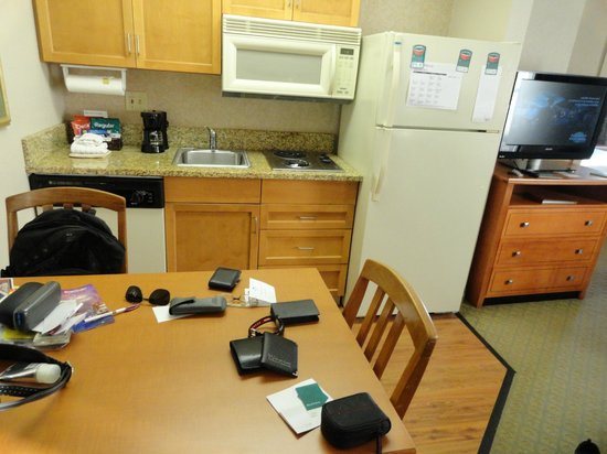 Homewood Suites Orlando-International Drive/Convention Center : cozinha da suite