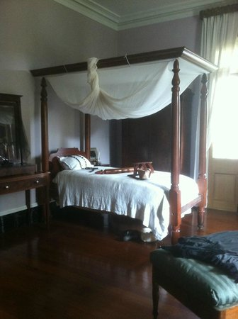 Tours by Isabelle: Oak Alley Main House Bedroom