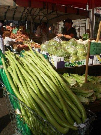 Mercato Ballarò: Неизвестный овощ...