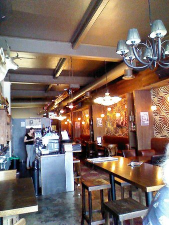 Casablanca Bar & Grill