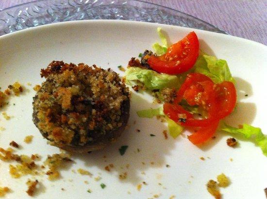 Trilogy Club Pizzeria Ristorante Pub : Fungo champignon ripieno di pan grattato e tartufo