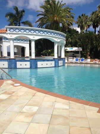 Bel Air on Broadbeach: pool