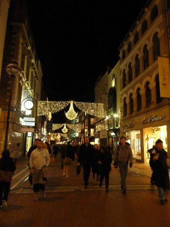 Grafton Street: Grafton St in Winter