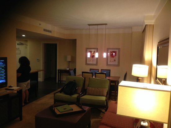 Marriott's Oceana Palms: Living and Dining area