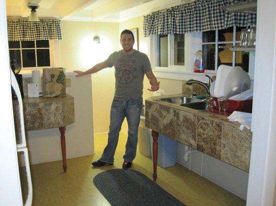 Volcano Hale : The kitchen