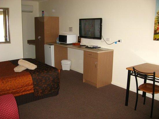 Augusta Courtyard Motel : Nice room