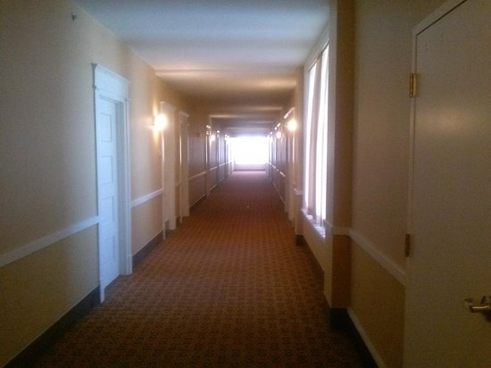 Residence Inn Cleveland Downtown: Hallway