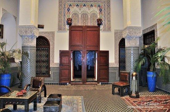 Riad d'or - Restaurant: Un des salon