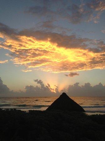 Maya Tulum Resort: sunset