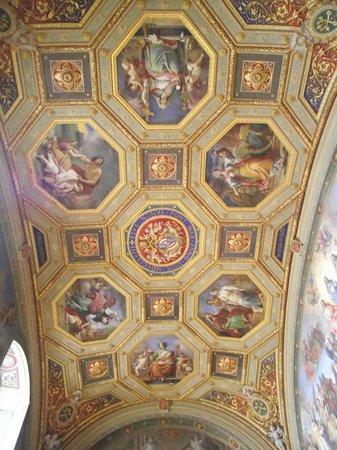 Vatikanische Museen (Musei Vaticani): Outro teto decorado
